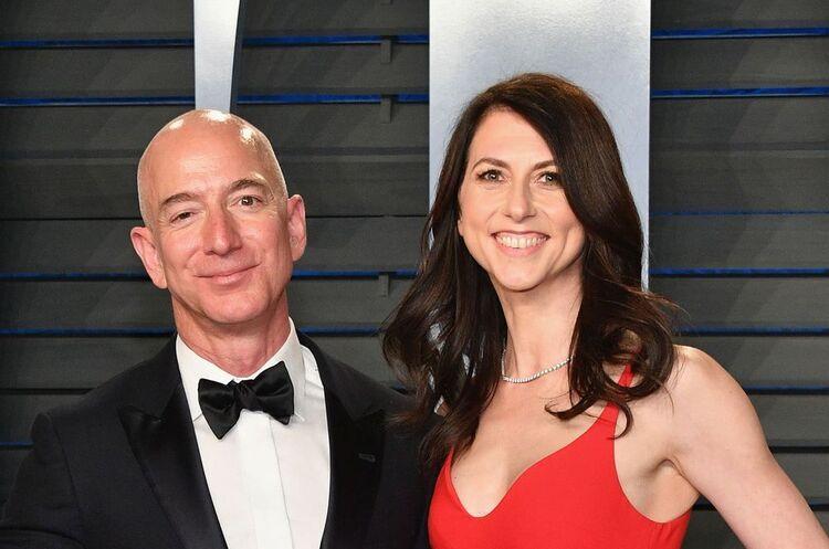 Ексдружина засновника компанії «Amazon» стала найбагатшою жінкою в США