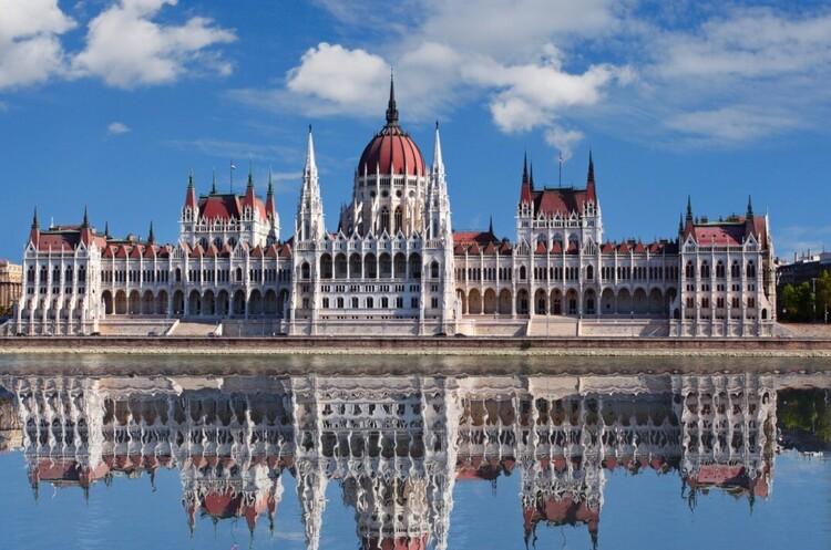 Угорщина посилює обмеження на кордоні