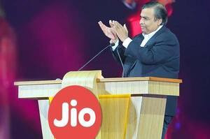 Найзаможніша людина Індії стала багатішою за Маска, Баффета та співзасновників Alphabet
