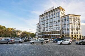 Готель «Дніпро» продали за 1,11 млрд грн