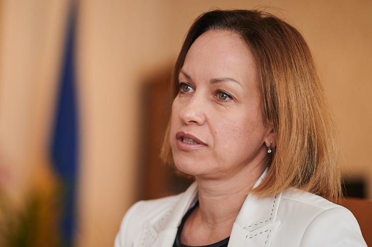 Марина Лазебна: «Зарплати повинні зростати так, щоб і міністри, і звичайні люди були задоволені»