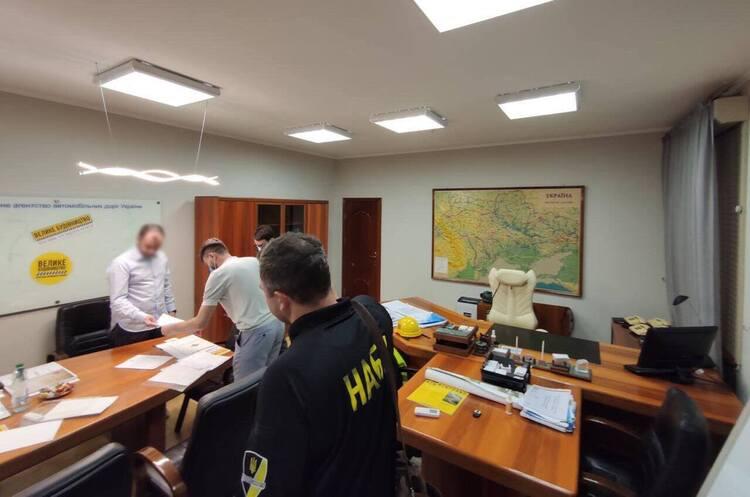 В Киеве и Львове проходят обыски в рамках расследования преступной организации с участием Новака – НАБУ