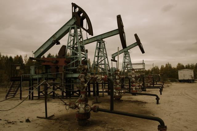 Балтійські країни відмовляються від російської нафти