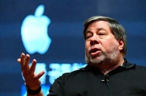 Стів Возняк, співзасновник Apple, подав до суду на Youtube