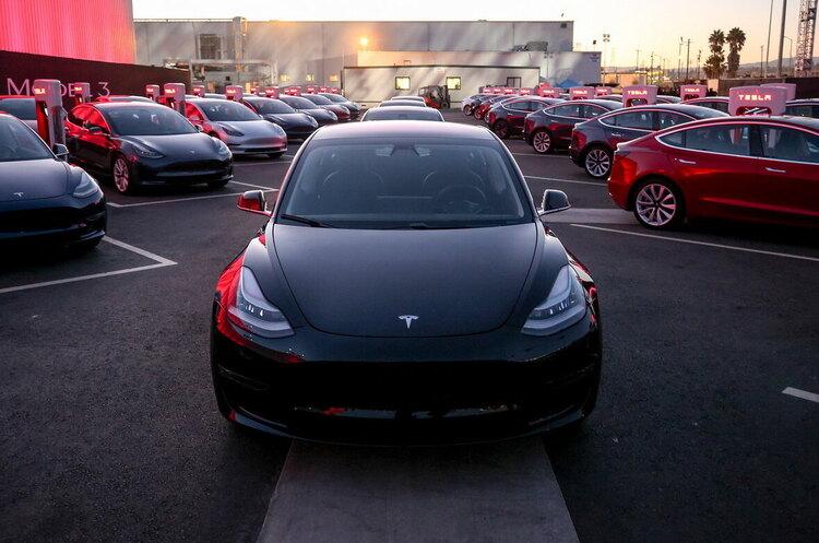 В Tesla анонсували відкриття власної страхової компанії