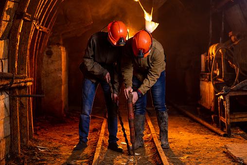 На зарплати шахтарям за пів року виділили 3 млрд грн