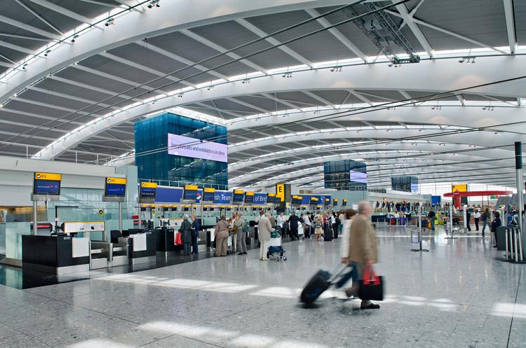 Аеропорт Хітроу почне тестувати пасажирів на коронавірус