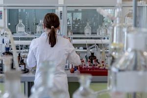У США стартували випробування препарату для лікування SARS-CoV-2