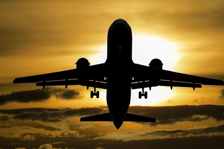 МАУ скасувала низку міжнародних маршрутів до вересня