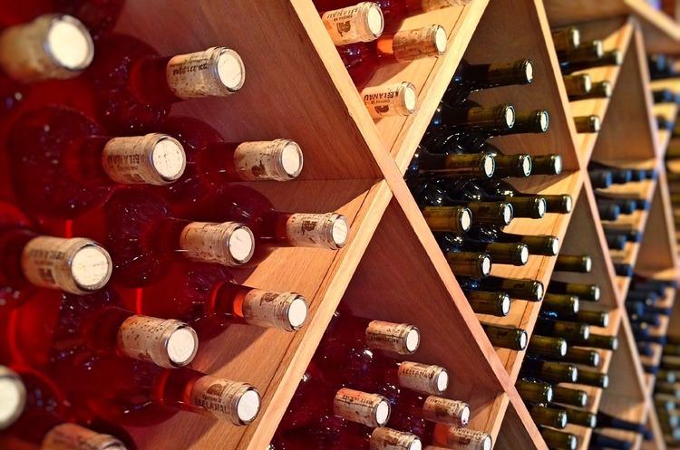 Франція надасть виноробам додаткові 76 млн євро допомоги