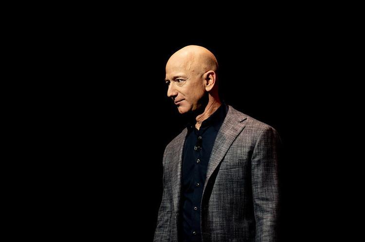 Безос продав акцій Amazon на понад $3 млрд