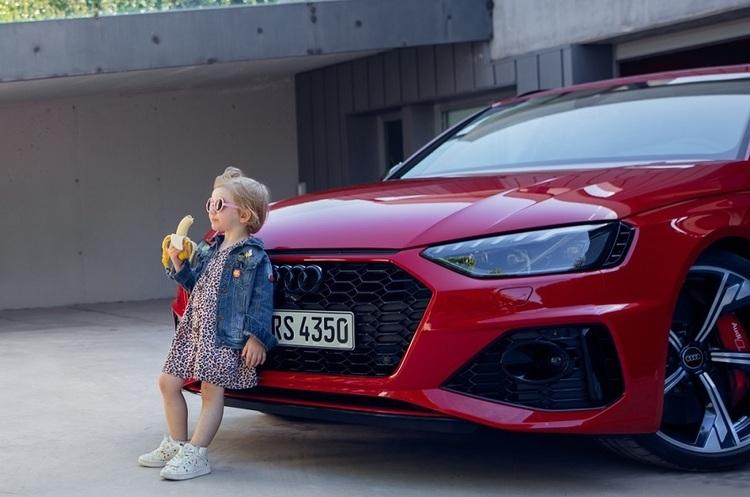 Audi вибачилася за рекламу з маленькою дівчинкою