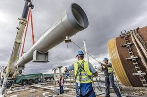 «Північний потік 2»: сенатори США пригрозили порту Мукран «фінансовим руйнуванням»