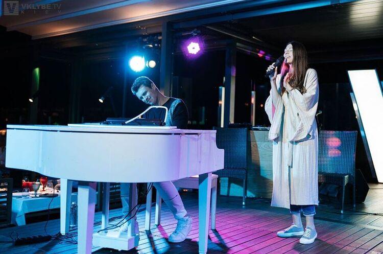 Євген Хмара і Дар'я Ковтун дадуть концерт на терасі ресторану Veranda on the river