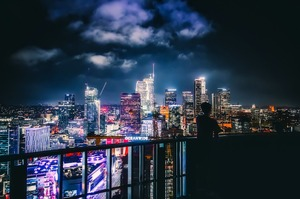 Влада Лос-Анджелеса буде відключати воду й світло в будинках, де проводять вечірки в карантин
