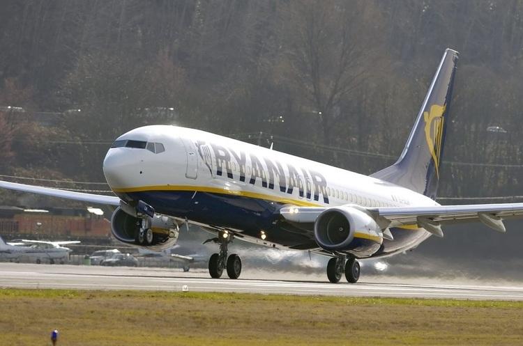 Італія готова заборонити польоти Ryanair через порушення санітарних норм