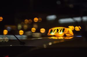 Мінінфраструктури розробило законопроєкт для виведення послуг таксі з тіні