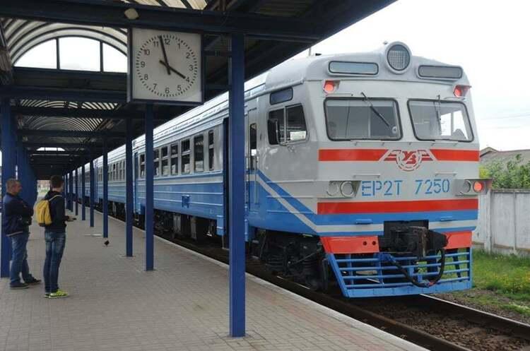 «Укрзалізниця» встановить відеокамери в потягах