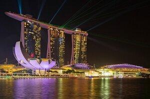 Економіка Сінгапуру за квартал скоротилася на майже 43%
