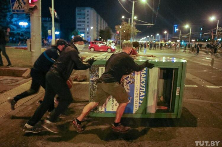 За минулу ніч в Білорусі затримали понад 2000 людей – МВС Білорусі
