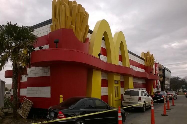 McDonald's позивається до свого ексочільника із наміром стягнути десятки мільйонів доларів