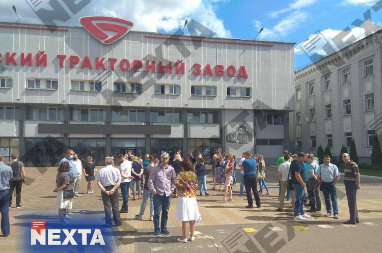 У Білорусі почалися страйки на великих підприємствах через фальсифікації на виборах