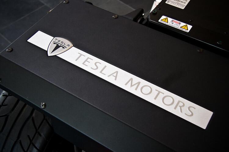 5 до 1: Tesla оголосила про дроблення акцій, ціни стрімко пішли вгору