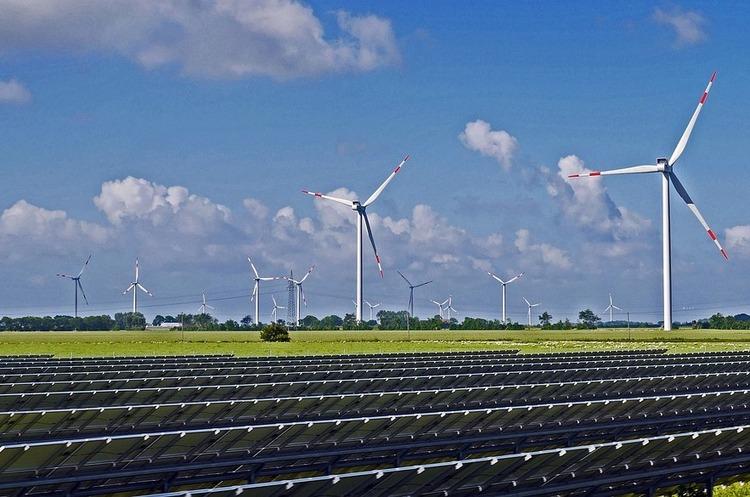 Частка сонячної і вітрової енергії в світовому енергобалансі за останні п'ять років подвоїлася