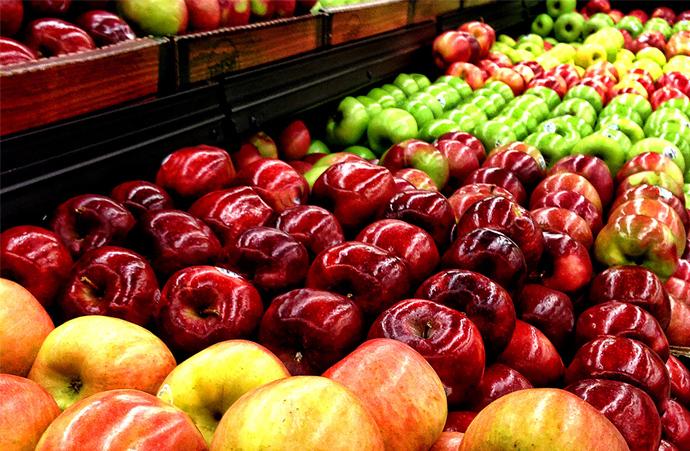 За рік суттєво зросли ціни на яблука - Держстат
