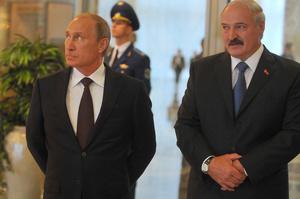 Оточення Лукашенка домовлялось з Кремлем про втечу до РФ – Bloomberg