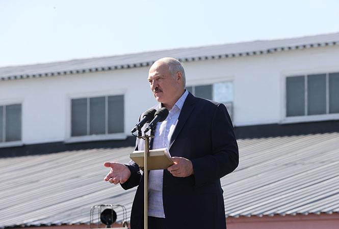 Депутати Європарламенту оголосили Лукашенка персоною нон грата в ЄС