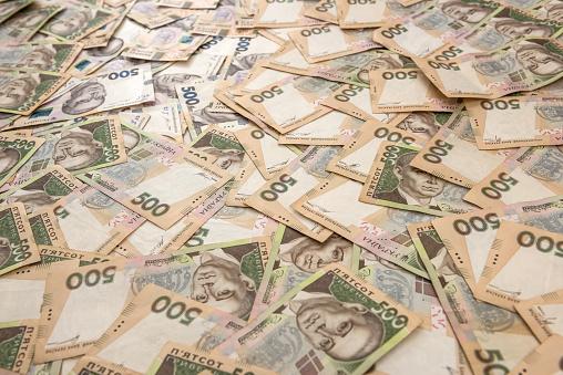 Ніякої «дірки» в бюджеті немає, є дефіцит в 300 млрд грн - Шмигаль