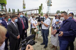 Міноборони погодилося купити три причали у заводу «Паллада» після дзвінка Зеленського
