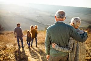 Пенсіонери старші за 75 років з наступного року отримуватимуть доплати до пенсій – Третьякова