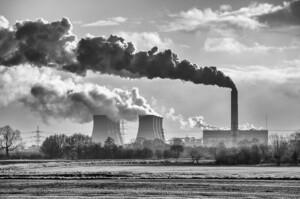 Тільки одна з десяти енергетичних компаній надає перевагу інвестуванню в ВДЕ – дослідження