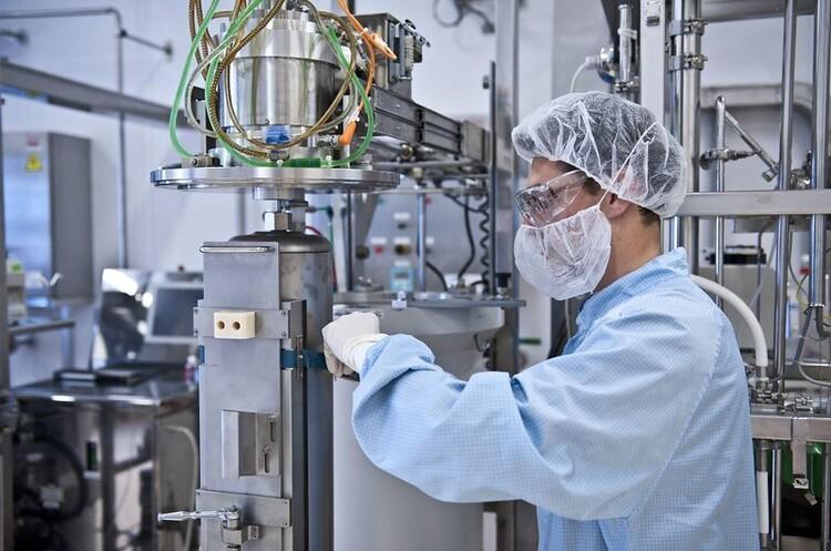 Sanofi почала випробувати свою вакцину проти COVID-19 на людях
