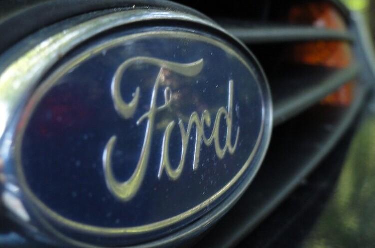 Ford скоротить 1400 працівників