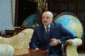 Білорусь перекинула половину армії до кордонів з Литвою та Польщею – Лукашенко