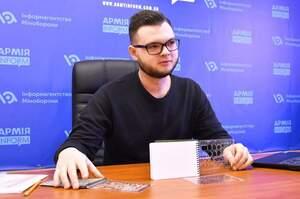 Успішні до 25-ти: що спонукало українського студента винайти тактичний блокнот для військових