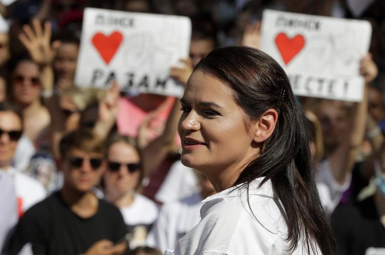 Тихановську та її чоловіка запропонували номінувати на Нобелівську премію миру