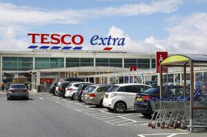 Британський супермаркет Tesco тестує доставку продуктів безпілотниками