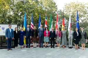 Україна стала повноправною учасницею «Партнерства Біарріц»