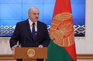 Лукашенко попросив у Путіна «деякі типи зброї» – ЗМІ