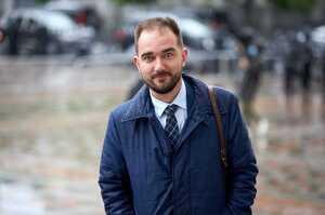 НАБУ й САП не можуть вручити підозру нардепу Юрченко, бо той закрився в приватному будинку