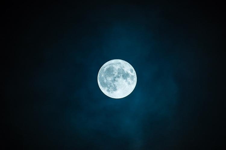NASA повідомило, коли перша жінка висадиться на Місяць