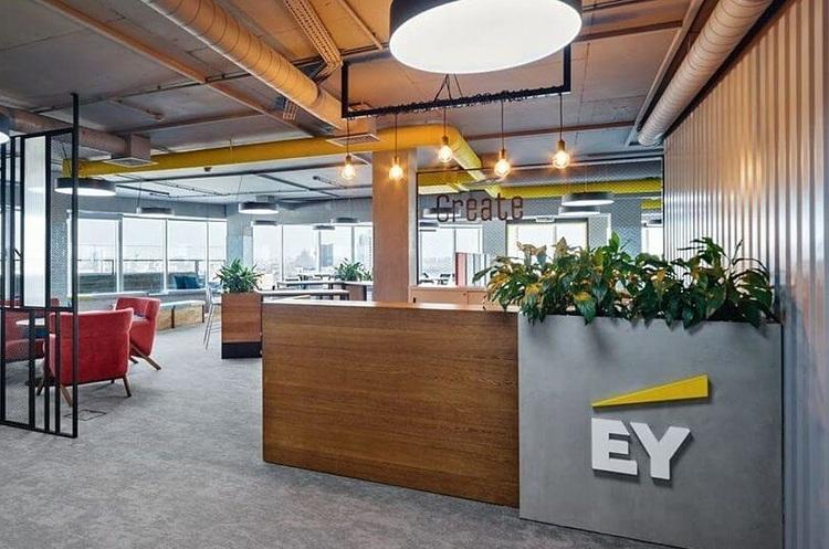 Авторитетні банки відмовляються від послуг EY після скандалу з Wirecard