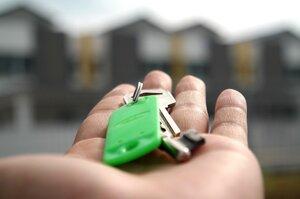 Уряд звільнив українців від пенсійного збору при купівлі першого житла