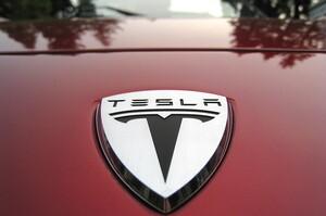Tesla намагається через суд заблокувати мита Трампа на імпорт з Китаю