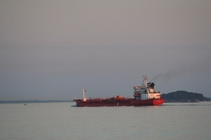 Іран та Венесуела ігнорують санкції США в двосторонній торгівлі нафтою