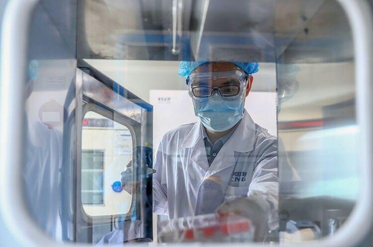 Китайська Sinopharm заявила, що випустить вакцину від COVID-19 вже до кінця року